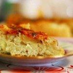 Заливной пирог со свежей капустой на кефире в мультиварке