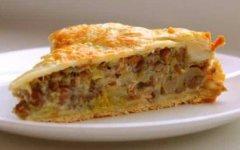 Дрожжевой пирог с грибами в мультиварке