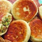 Жареные пирожки из картофельного пюре с мясным фаршем