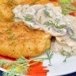 Картофельные пирожки с капустой жареные на сковороде