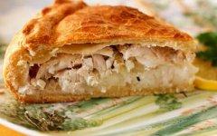 Пирог с минтаем и картошкой из дрожжевого теста