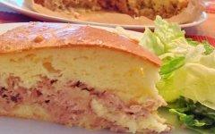 Рыбный пирог с сайрой в духовке