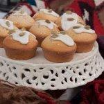 Творожный кекс с изюмом, орехами и сухофруктами