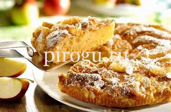 рецепт шарлотки с яблоками на сковороде без духовки
