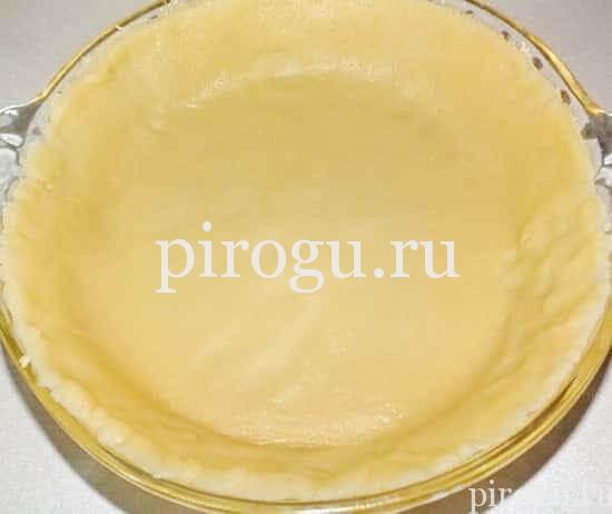 Пирог с начинкой из свежих слив