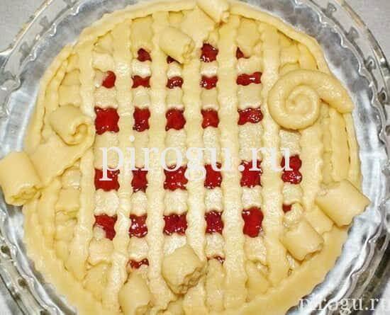 Песочный пирог со сливами
