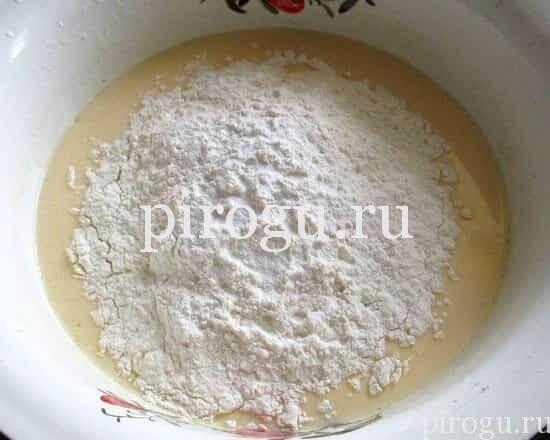 Заливной пирог в духовке с кабачками