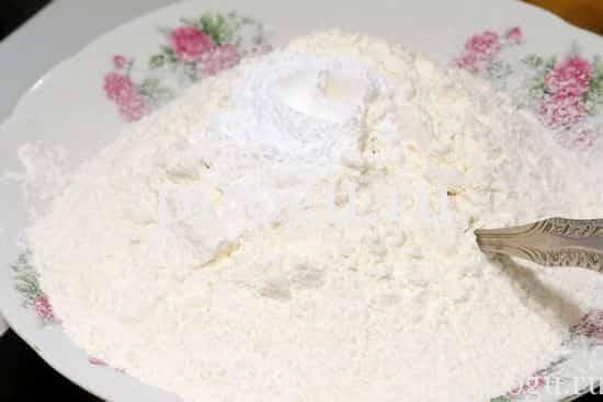 Тесто для простых коржиков на молоке