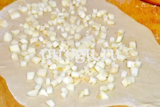 Тонкое тесто для яблочного штруделя