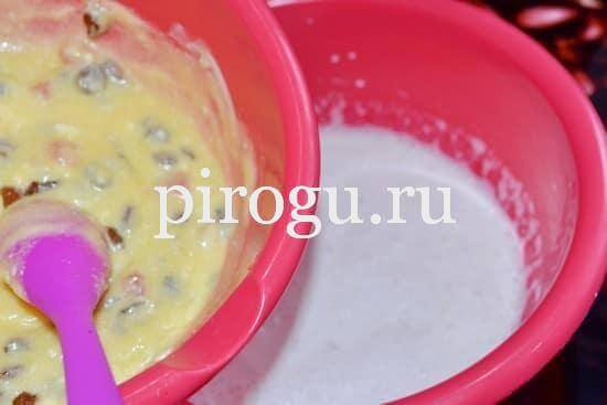 Тесто для кулича с изюмом и цукатами