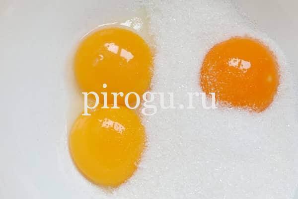 Пасхальный кулич из теста на яйцах