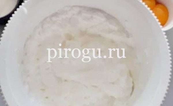 Простой рецепт бисквита на сметане