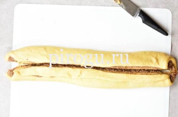 Пасхальный венок из дрожжевого теста с тройной начинкой